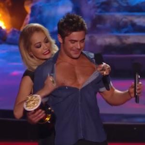 Jessica Alba Mispronounces 'Zac Efron' At MTV Movie Awards; Rita Ora Rips Efron's Shirt Off