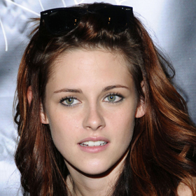 Kristen Stewart Screams At Paparazzo: 'You Don't Deserve To Breathe The Same Air I Do'