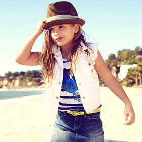 Anna Nicole Smith's Daughter, Dannielyn Birkhead, Models In New Guess Campaign