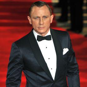 Daniel Craig Spices Up Red Carpet