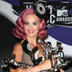 Adele, Katy Perry Win Big At VMA's