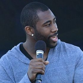 New York Jets' Darrelle Revis Blows Out Knee