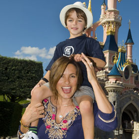 Mariska Hargitay Takes Son To Disneyland