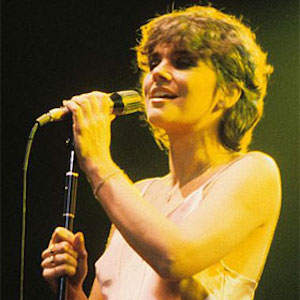 Linda Ronstadt Won't Attend Rock & Roll Hall Of Fame Event Due To Parkinson's