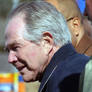 Pat Robertson Suggests AIDS Can Be Caught Via Towels