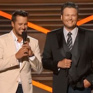 Blake Shelton And Luke Bryan Host Academy of Country Music Awards 2014; George Strait Named Entertainer Of The Year [Full List of Winners]