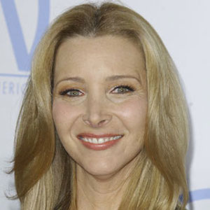 Lisa Kudrow Had Nose Job At 16: 'I Went From Hideous To Not Hideous'