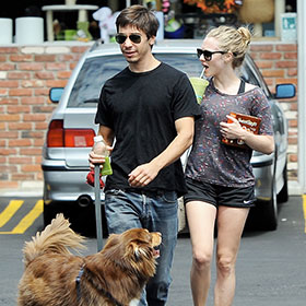Amanda Seyfried And Justin Long Go On Dog Park Date In Los Angeles