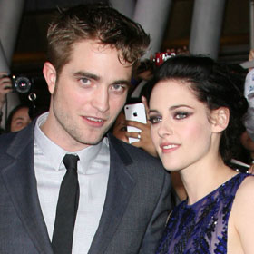 SPOILER: 'Twilight: Breaking Dawn' Premieres