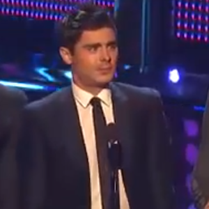 Zac Efron Jokes About Good Looks At People'™s Choice Awards