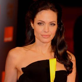 Angelina Jolie To Play Cleopatra