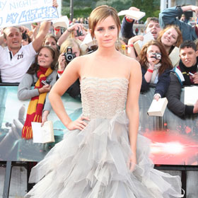 Emma Watson Looks Stunning At 'Deathly Hallows Part 2' Premiere In London