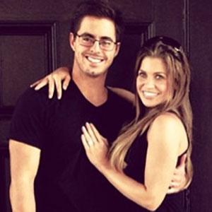 Danielle Fishel, 'Boy Meets World' Star, Marries College Sweetheart Tim Belusko