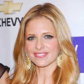 VIDEO: Sarah Michelle Gellar Doubles Up In New Series