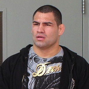 UFC Results: Cain Velasquez Defends Title Against Junior Dos Santos