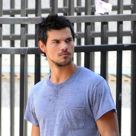 Taylor Lautner Grows Beard For 'Tracers'