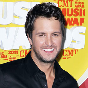 VIDEO: Luke Bryan Rocks CMT Awards