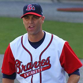 Tim Hudson, Atlanta Braves Pitcher, Suffers Broken Ankle [VIDEO]