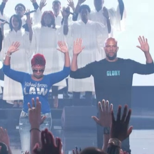 2014 BET Hip Hop Awards Recap: Common Brings Michael Brown's Parents Onstage For Moment Of Silence