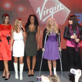 Spice Girls Reunite At London 2012 Closing Ceremony