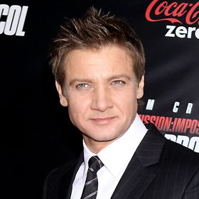 Jeremy Renner Debuts In 'The Bourne Legacy' Trailer