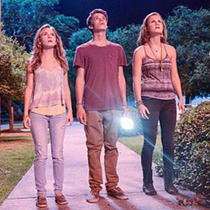 'Under The Dome' Season Finale Recap: Julia Is The Monarch, Pink Stars Are Falling, Barbie Is Ready To Hang