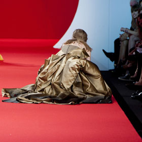 VIDEO: Model Falls Three Times At Naomi Campbell's Cannes Fashion Show