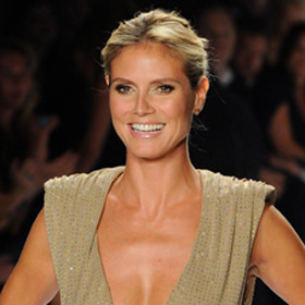 Heidi Klum Reveals Side Boob On Twitter