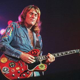 Alvin Lee, Rock Guitarist Who Played Woodstock, Dies At 68