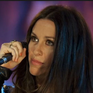 Alanis Morissette Sued By Former Nanny; Allegedly Forced To Work 12-Hour Shifts Without Breaks