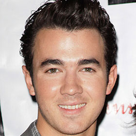 Kevin Jonas And Wife Danielle Jonas Expecting First Child Amidst Jonas Brothers' Tour