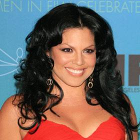 Sara Ramirez Engaged to Long-Time Boyfriend