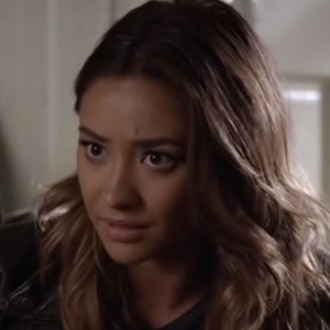 'Pretty Little Liars' Recap: Ali Loses Emily's Trust, Mona And Hanna Work Together