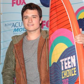 Josh Hutcherson Calls New Cast 'Epic'