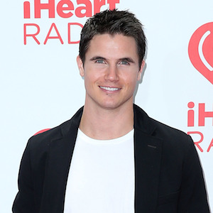 Robbie Amell Cast In 'Flash' As Firestorm
